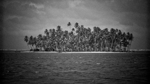 HIDDEN LINES – Chapter II – San Blas Islands
