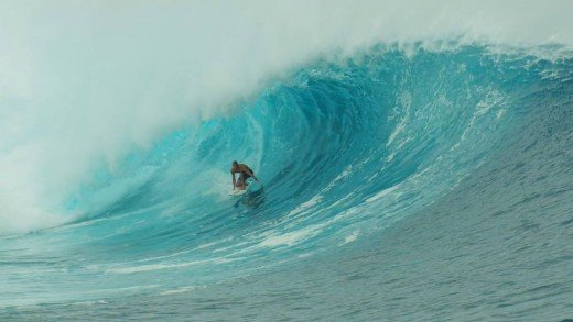 Thundercloud Preview – Mick Fanning Wipeout At Huge Cloudbreak